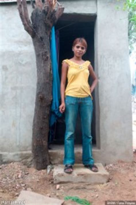 PHOTOS Teen Prostitution In India Is A Family Business For