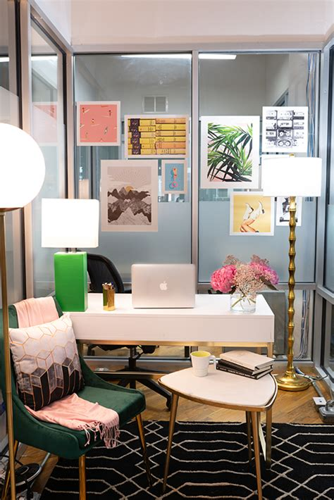 Small Work Office Decorating Ideas: Feminine and Glam
